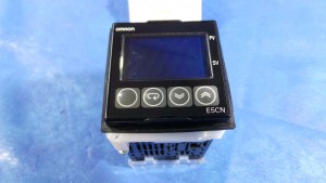 E5CN-Q2MT-500 Controller, Tempeature Controller / E5CN-Q2MT-500 / Omron